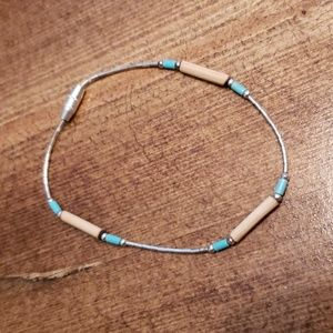 Jewelry - Delicate turquoise and wood bracelet